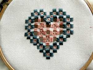 mes broderies dans mes broderies hardanger DSC00837-300x225